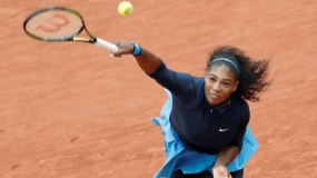 Serena enters French Open final