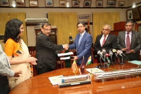 MoU signed to purchase new train engines and power sets