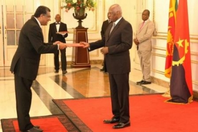 Ambassador Sunil De Silva presents Credentials in the Republic of Angola