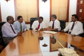 Agreement signed for 'Senehase Siyapatha' housing project