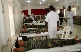 Troops Donate Blood for Patients in Jaffna Teaching Hospital