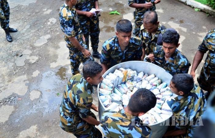SLAF assists flood victims_2