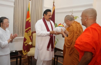 Buddhist delegation from thailand call on Sri Lankan President