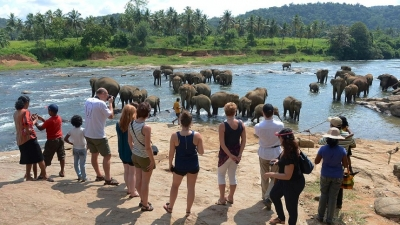Over 1mn tourists visit Lanka by June