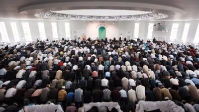 Ramadhan fast begins