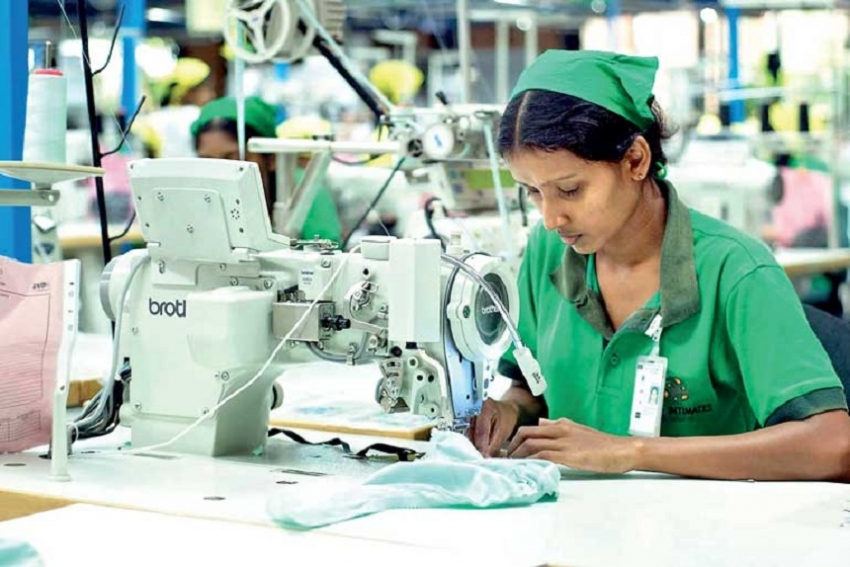 Apparel exports poised to top US $ 5bn mark