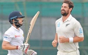 Sri Lanka battle their way to 85/2 on rain truncated first day