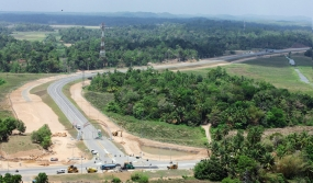 President Rajapaksa declared open Expressway from Galle to Matara