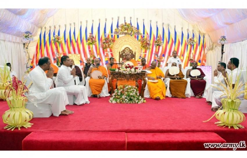 Army 'Pinkam' at Mirisawetiya Invoke Blessings