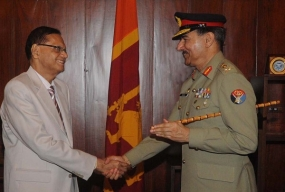Pakistan Joint Chiefs of Staff Committee Chairman calls on Minister Peiris