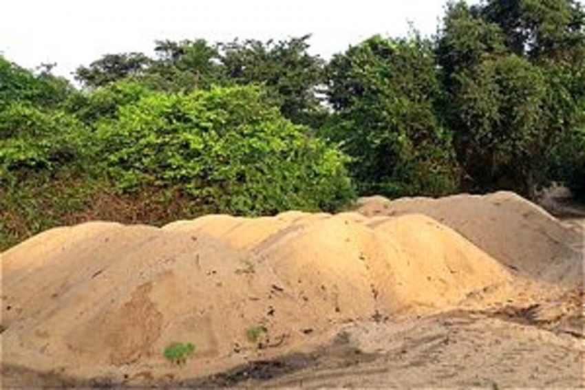 Navy assists to identify sand mining  in Trincomalee