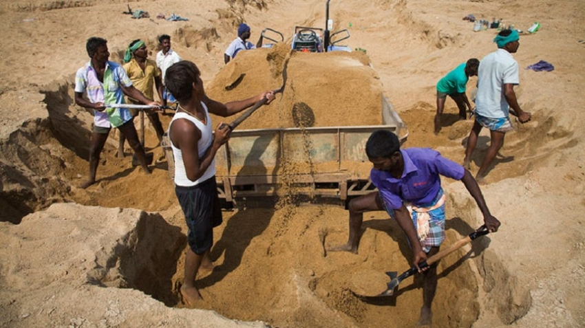 Sand mining permits in Trincomalee suspended