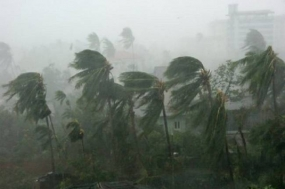 "Update: Heavy rain falls and  strong winds over the island due to Cyclonic Storm ""Hudhud"""