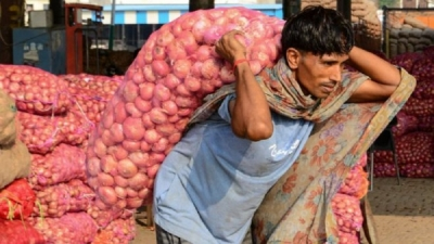 India's onion crisis: Why rising prices make politicians cry