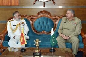 Pakistan Army Chief meets Navy Commander