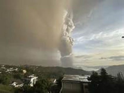 Volcano Erupts Near Philippine Capital, Shutting Down Manila Airport