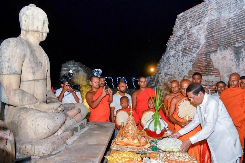 Polonnaruwa Poson perahera under President's patronage