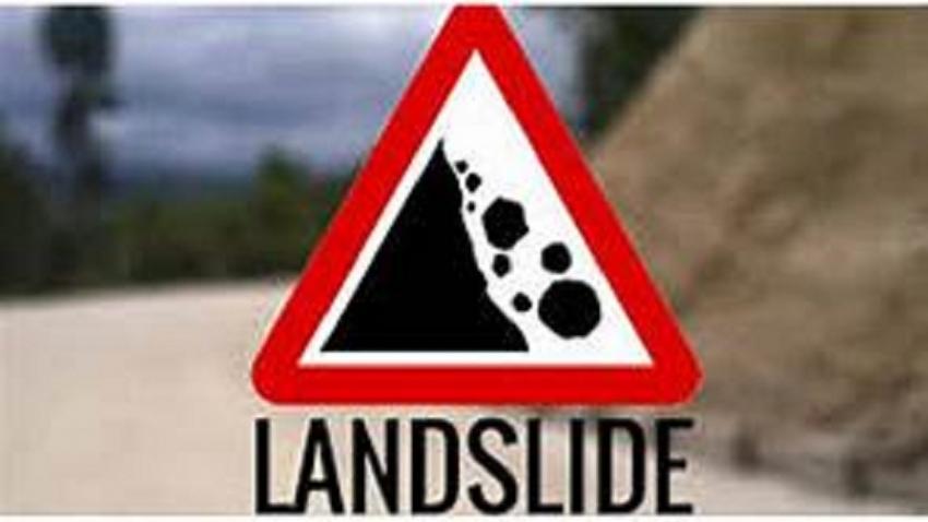 Landslide warning for three districts