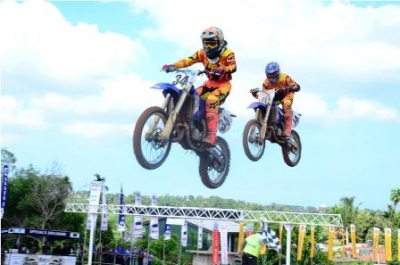 Colombo Super Cross 2017 flagged off  in Welisara