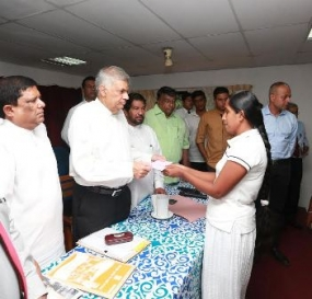 PM focuses on affected tea smallholders