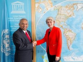 Ambassador Athauda presents credentials to DG, UNESCO