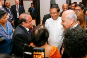 President meets Sri Lankans at London