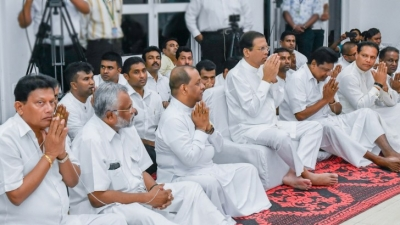 President attends Pirith chanting ceremony held at SLFP headquarters
