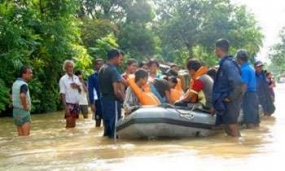 Navy rescues 172 marooned flood victims