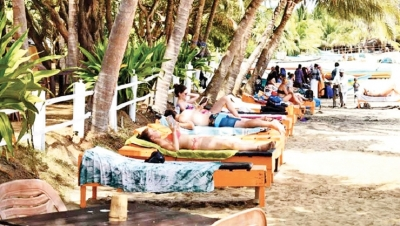 Foreign tourists flock to Arugam Bay