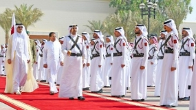 Emir of Qatar warmly welcomes the President