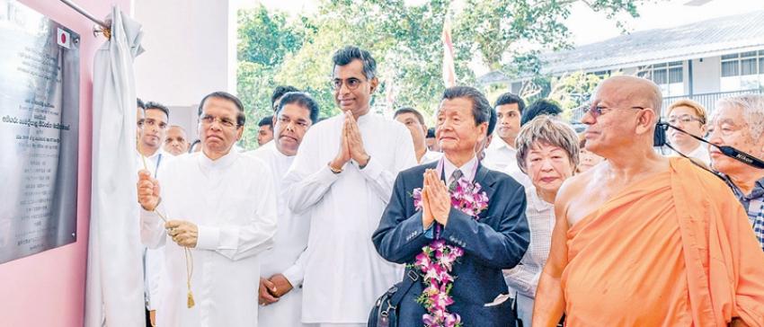 President opens building at Sri Mahindarama Viharaya