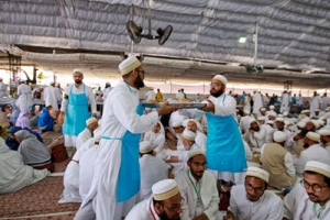 Shining lesson on zero food wastage policy at  Bohra conference