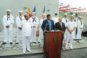 Foreign Minister visits USS 'Lake Erie'
