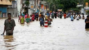 Minister orders to remove unauthorized structures blocking flood in suburbs